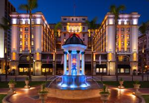 lux1488ex-202486-Hotel Exterior - night (1)