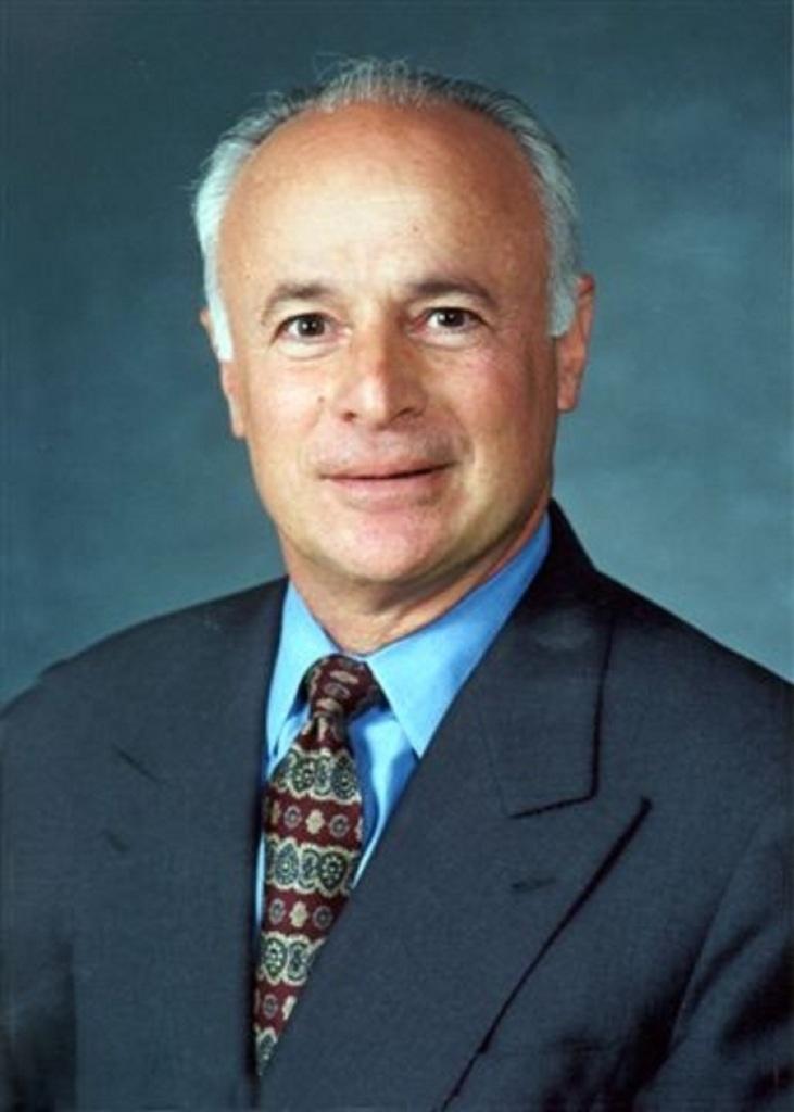 Dr. David M. Steele-Figueredo President Woodbury University